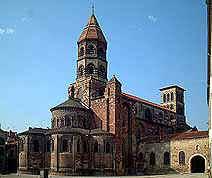 St julien vue de la Place grégoire de Tours